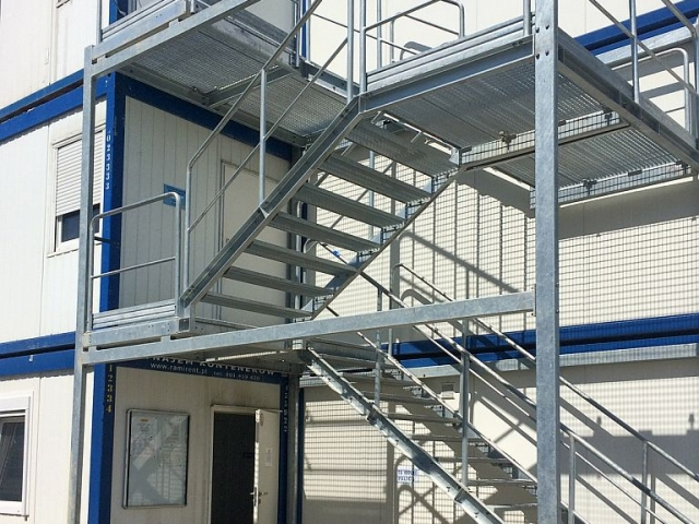 container_temporary_stairs_2