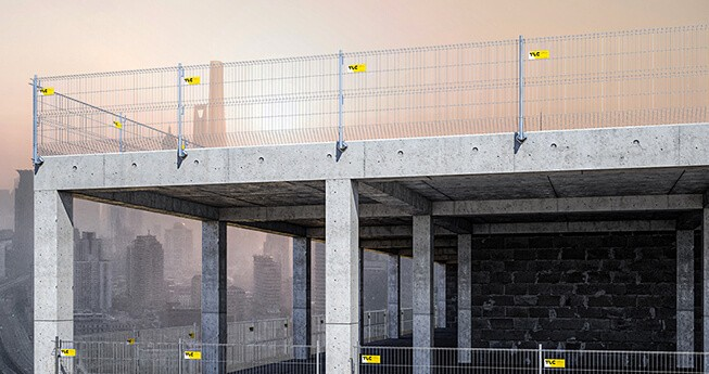 Moderne sikringssystem som oppfyller både landets interne og europeiske sikkerhetsnormer, egnet til sikring av bygnings- og byggkanter, kanter av teknologiske hull, ferdselskorridorer og andre steder der risiko for fall fra høyde foreligger.